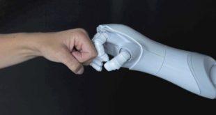 Kollaboration 310x165 - Bachelorstudiengang Künstliche Intelligenz eröffnet Karrierechancen