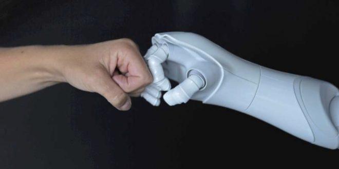 Kollaboration 660x330 - Bachelorstudiengang Künstliche Intelligenz eröffnet Karrierechancen